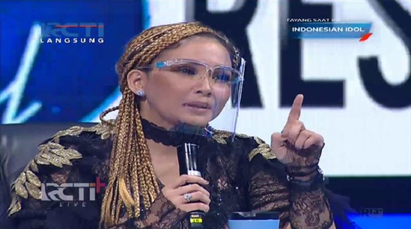 Rambut Nyentrik Maia Estianty Curi Perhatian di Grand Final Indonesian Idol : Okezone Lifestyle - Majalah Time.com