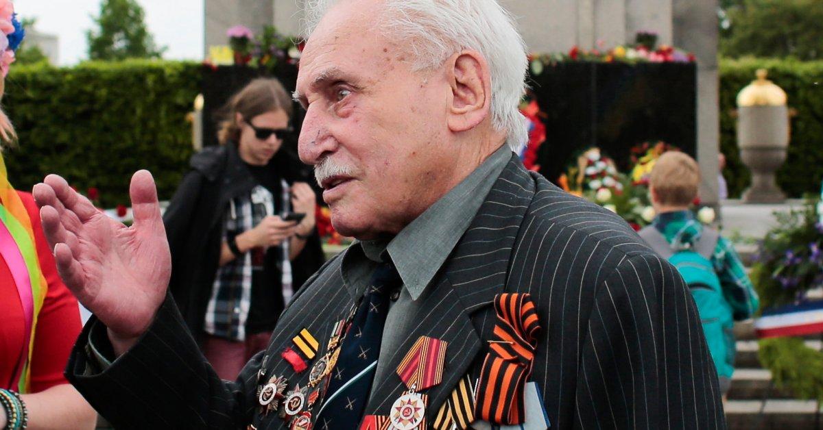 Prajurit Soviet Terakhir yang Membebaskan Auschwitz Meninggal di Usia 98 - Majalah Time.com
