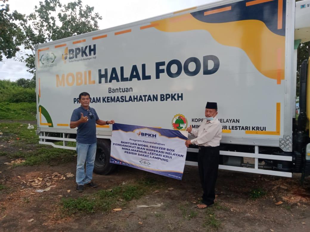 Tingkatkan Ekonomi Nelayan BPKH – LAZISNU Serahkan Mobil Truck Freezer Halal Food 3